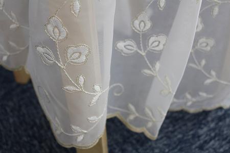 白いお花柄トルコレースカーテン