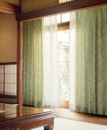和室にグリーンのカーテン