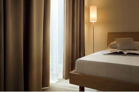 寝室 遮光カーテン