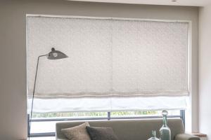 川島織物セルコン 腰窓 シェード