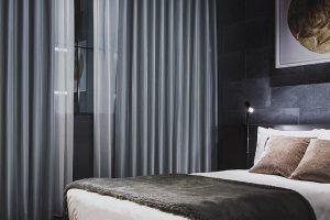 ホテルライク カーテン 寝室
